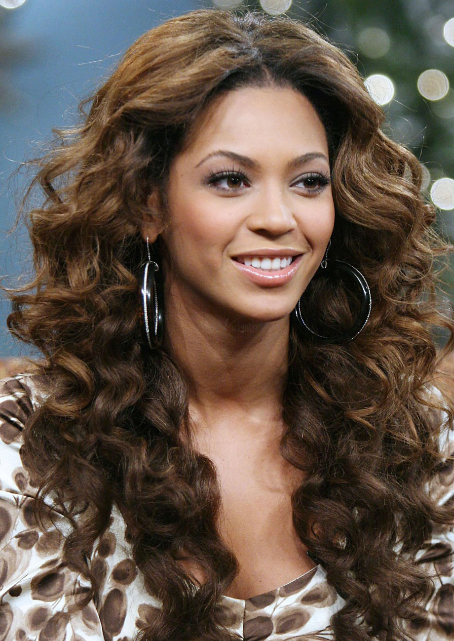 Graceful Curly Hairstyles for Long Hair