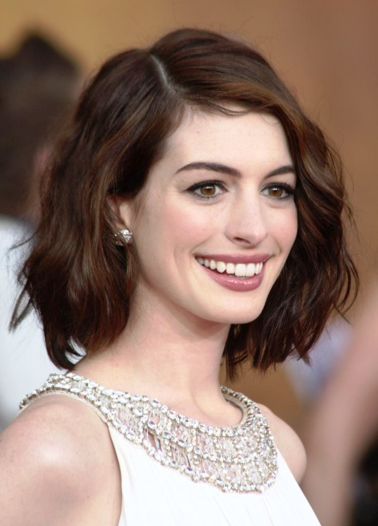 Short Hairstyles For Oval Faces Image