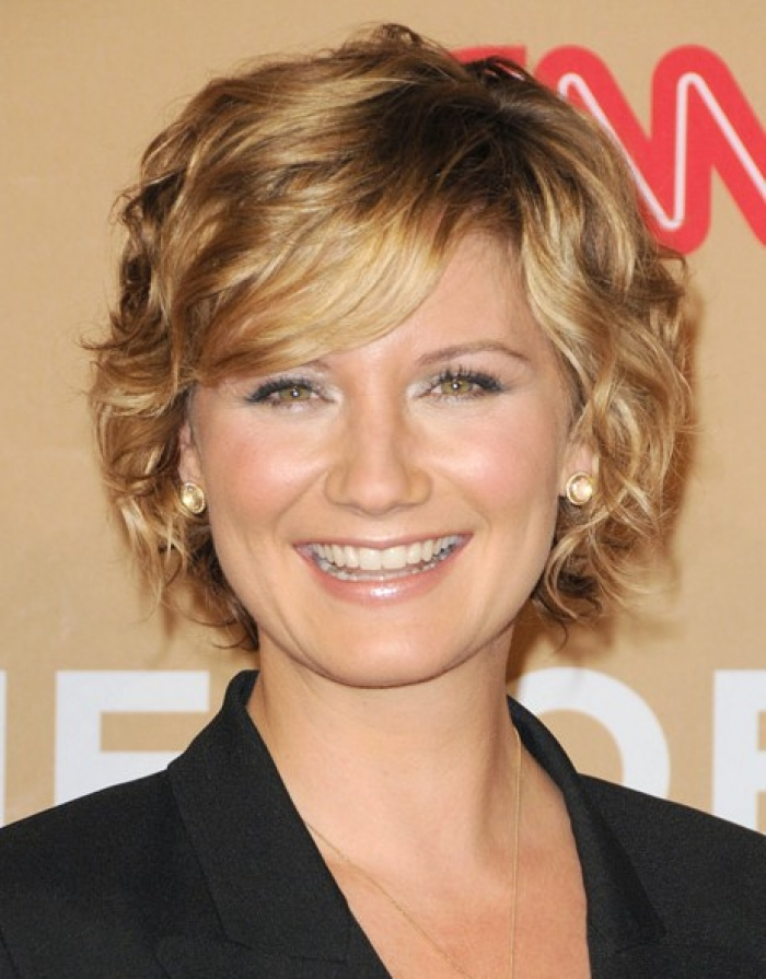 Short To Medium Hairstyles Curly Hair Variation of Short to Medium ...