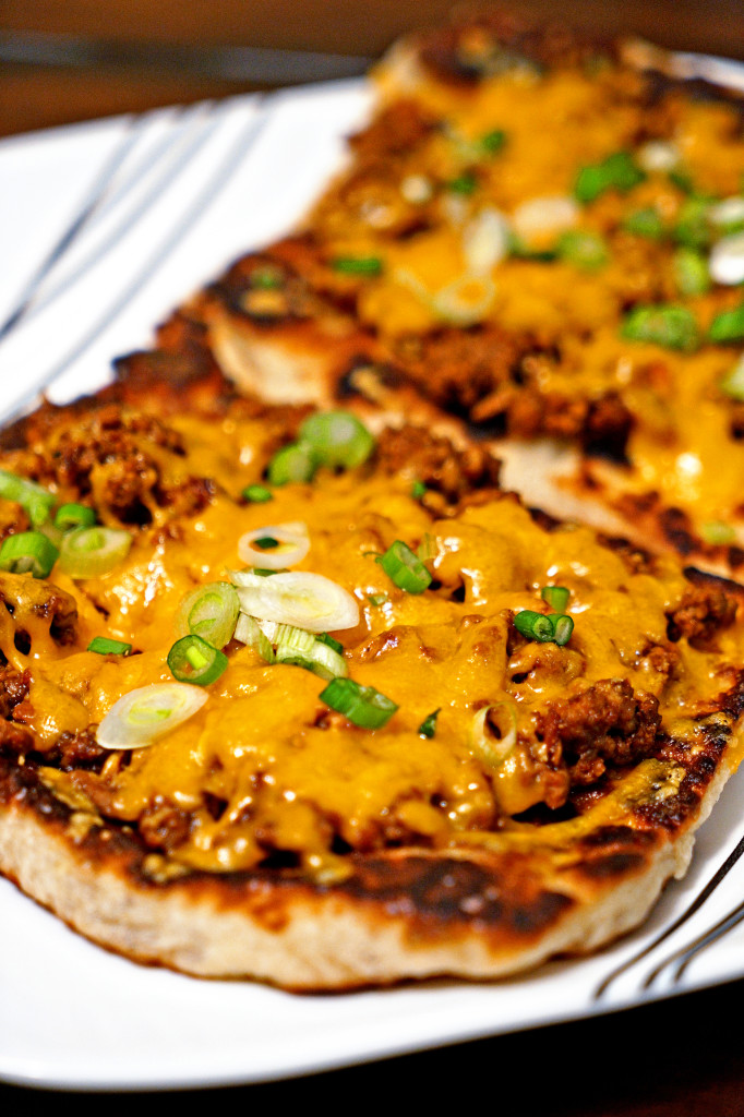 14 CHIPOTLE CHEESEBURGER FLATBREAD MELTS