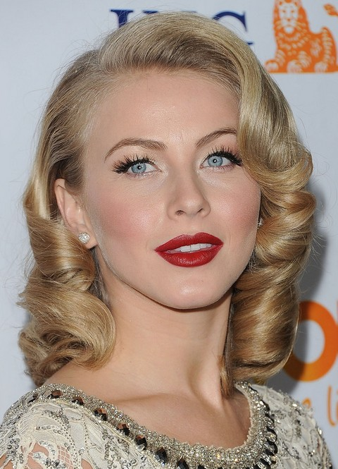 Julianne Hough Hairstyles Retro Curls