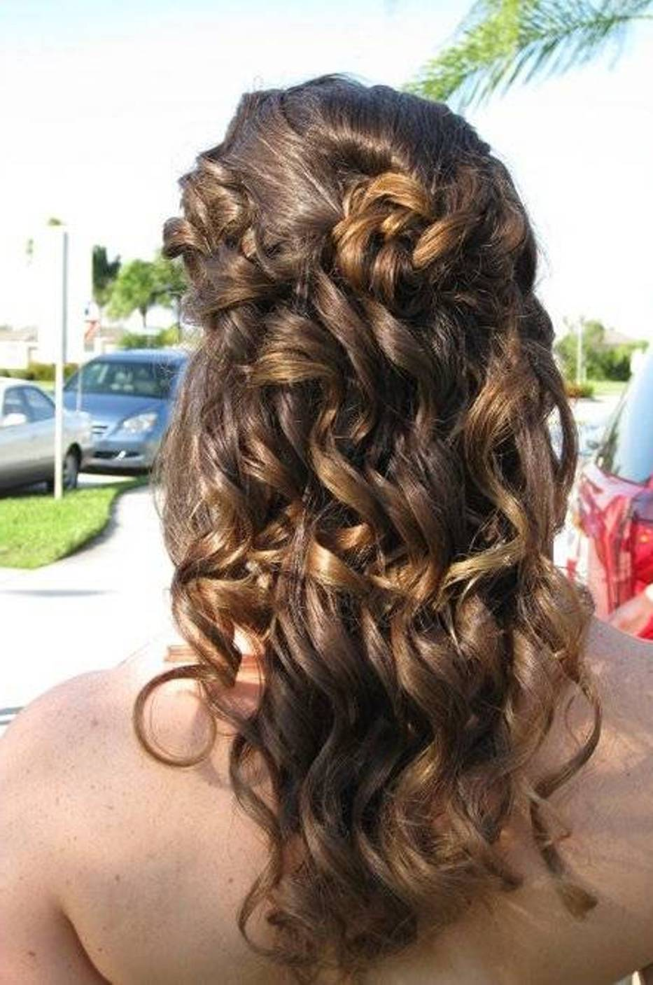 30 Stunning Curly Homecoming Hairstyles The Xerxes