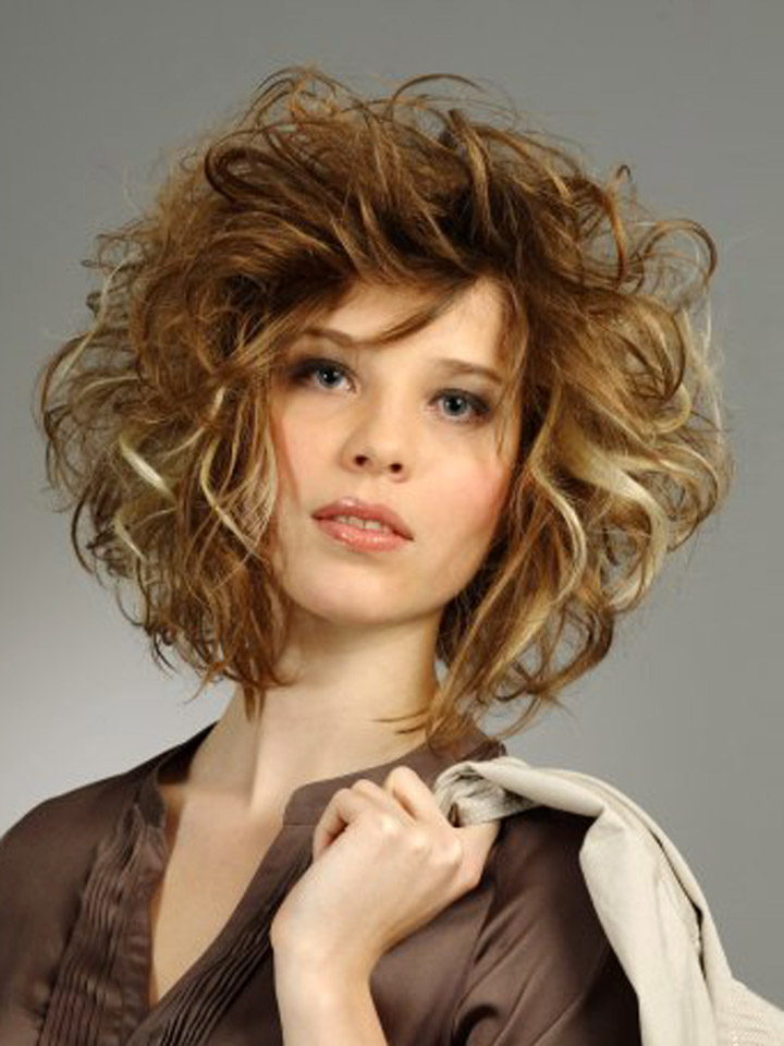 Hottest Messy Hairstyles for Medium