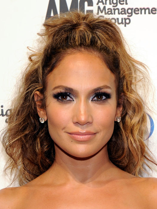 curly hair hairstyles for work..
