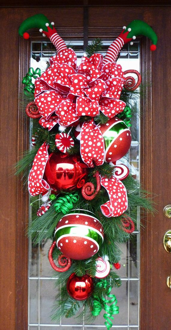 15 whimsical christmas decorating ideas the xerxes for Elf door decoration
