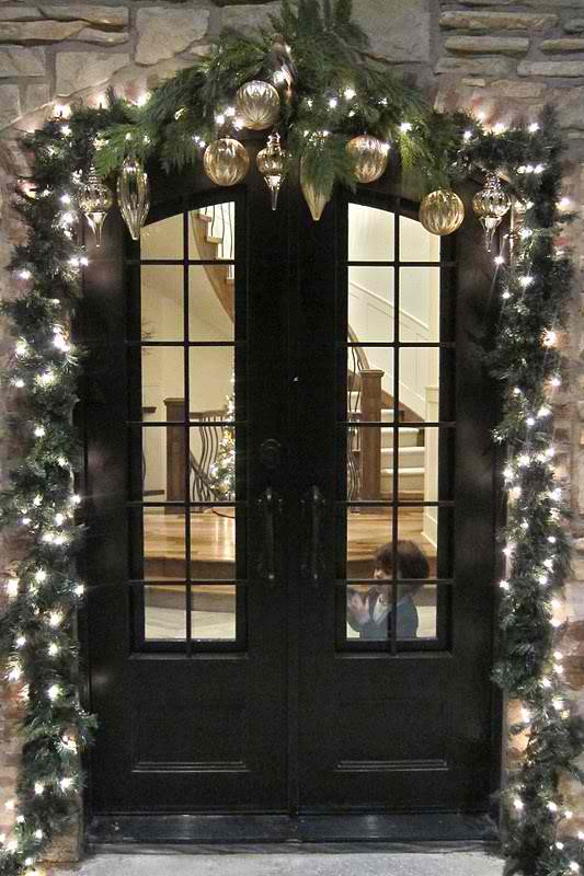 9 - Christmas Arch Decorations