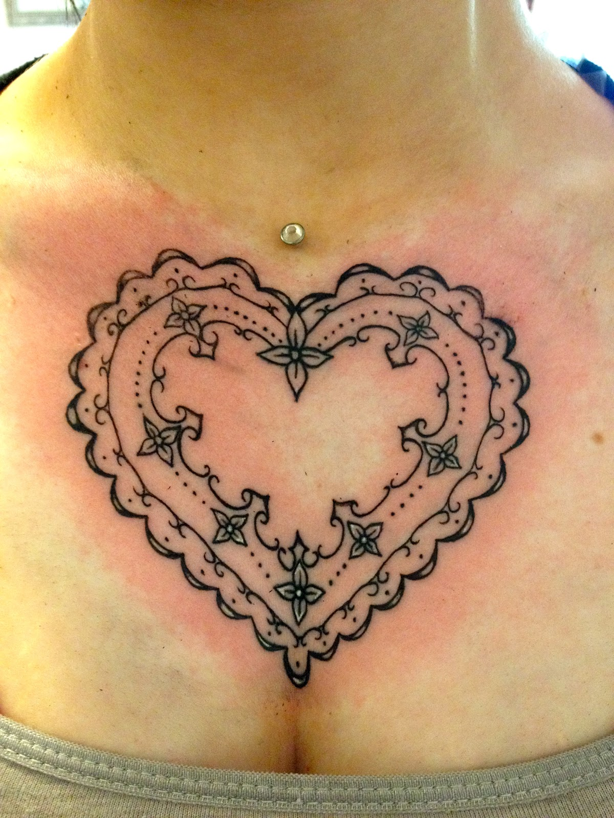 50 awesome heart tattoo designs ideas the xerxes. Black Bedroom Furniture Sets. Home Design Ideas