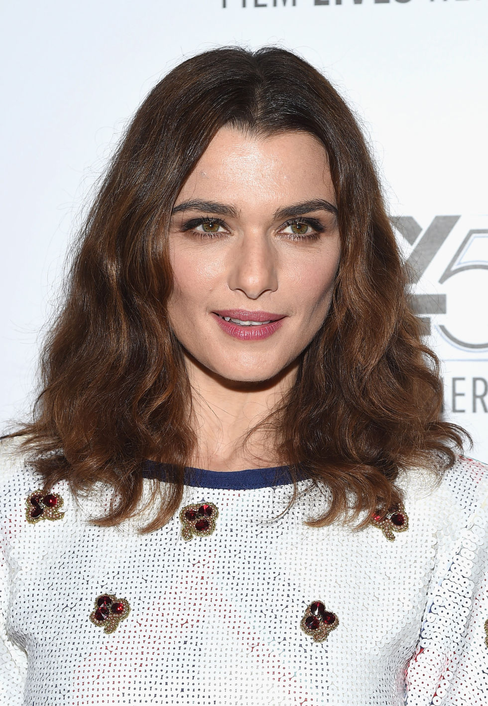 25 mediumlength hairstyles we can't stop staring at  the