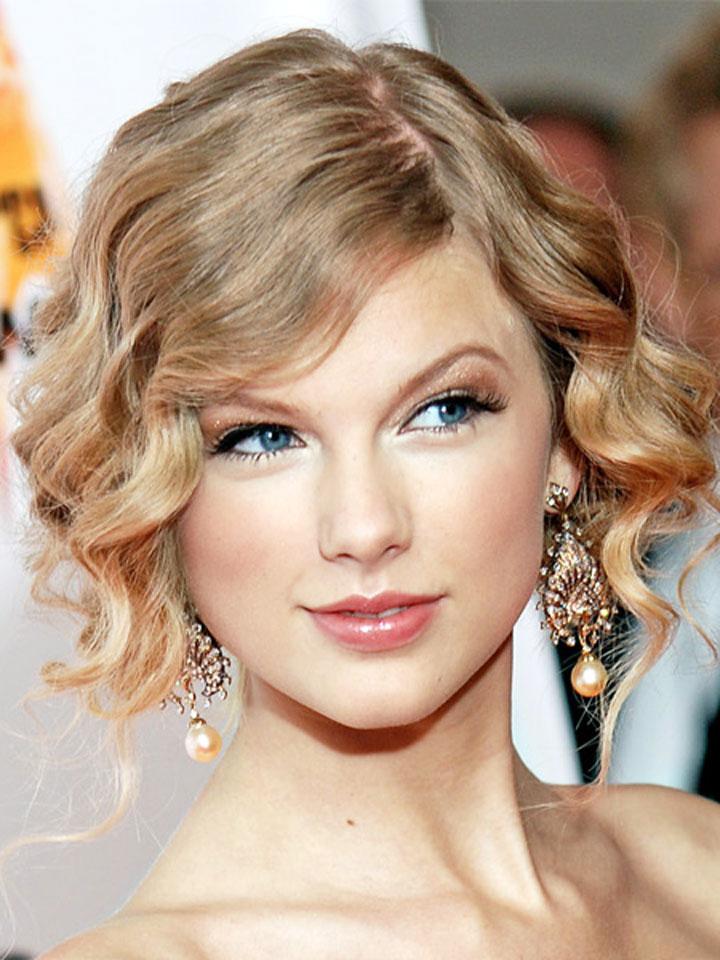 Taylor Swift Updo Short Hair