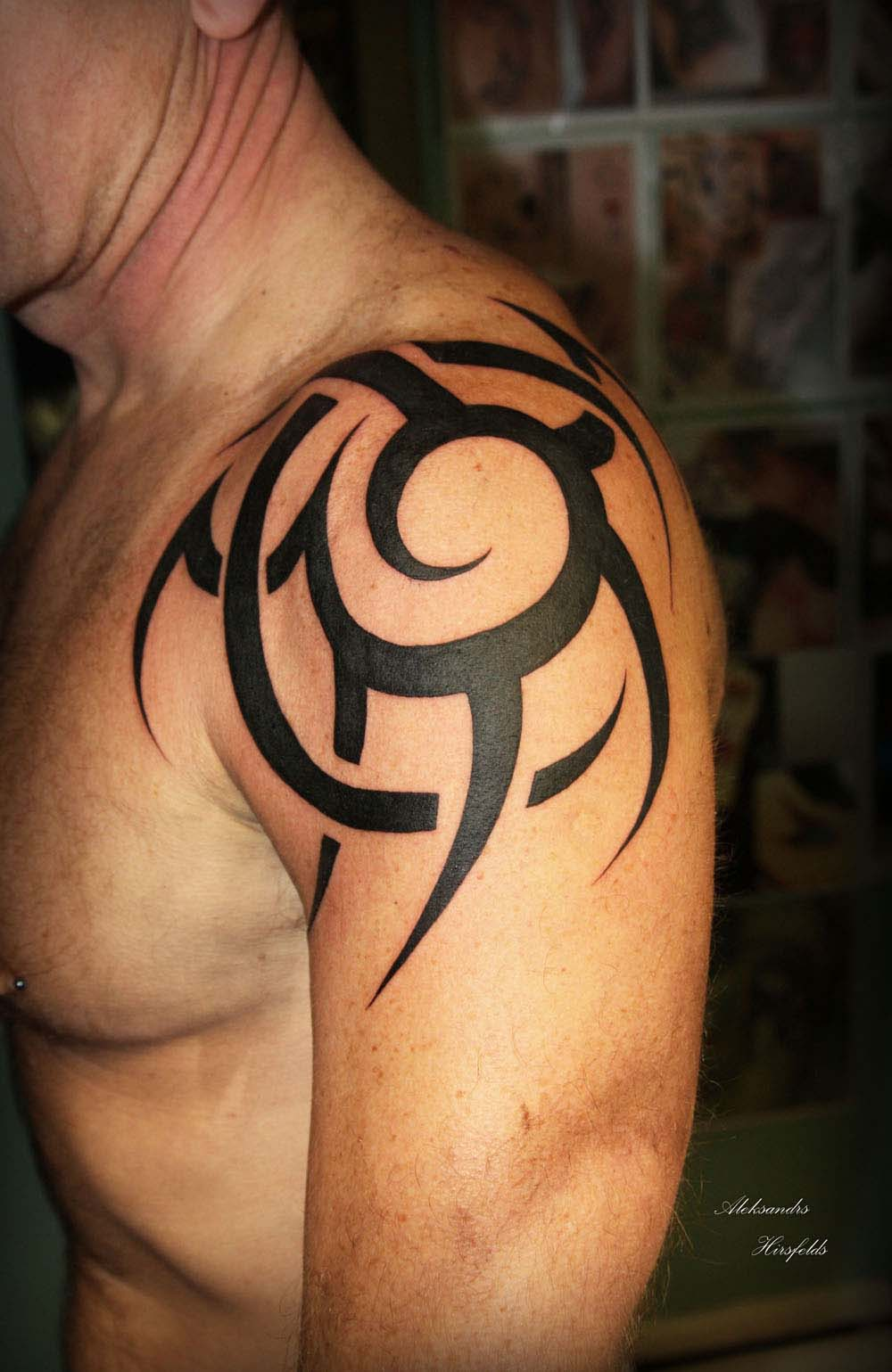 25 Best Tribal Tattoo Designs for Men - The Xerxes